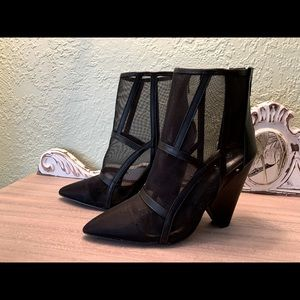 Quips  Boots